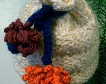 HAT WOMEN KNITTED    Beehive ski hat  Knitted Woman Flowers   Girls Teens Tweens Chunky  Comfortable