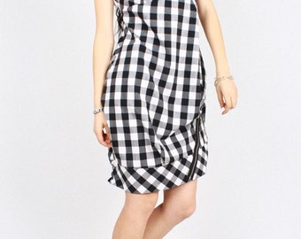 Cocoon-shaped dresses/Black and white grid