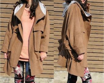The new coat hooded fleece coat