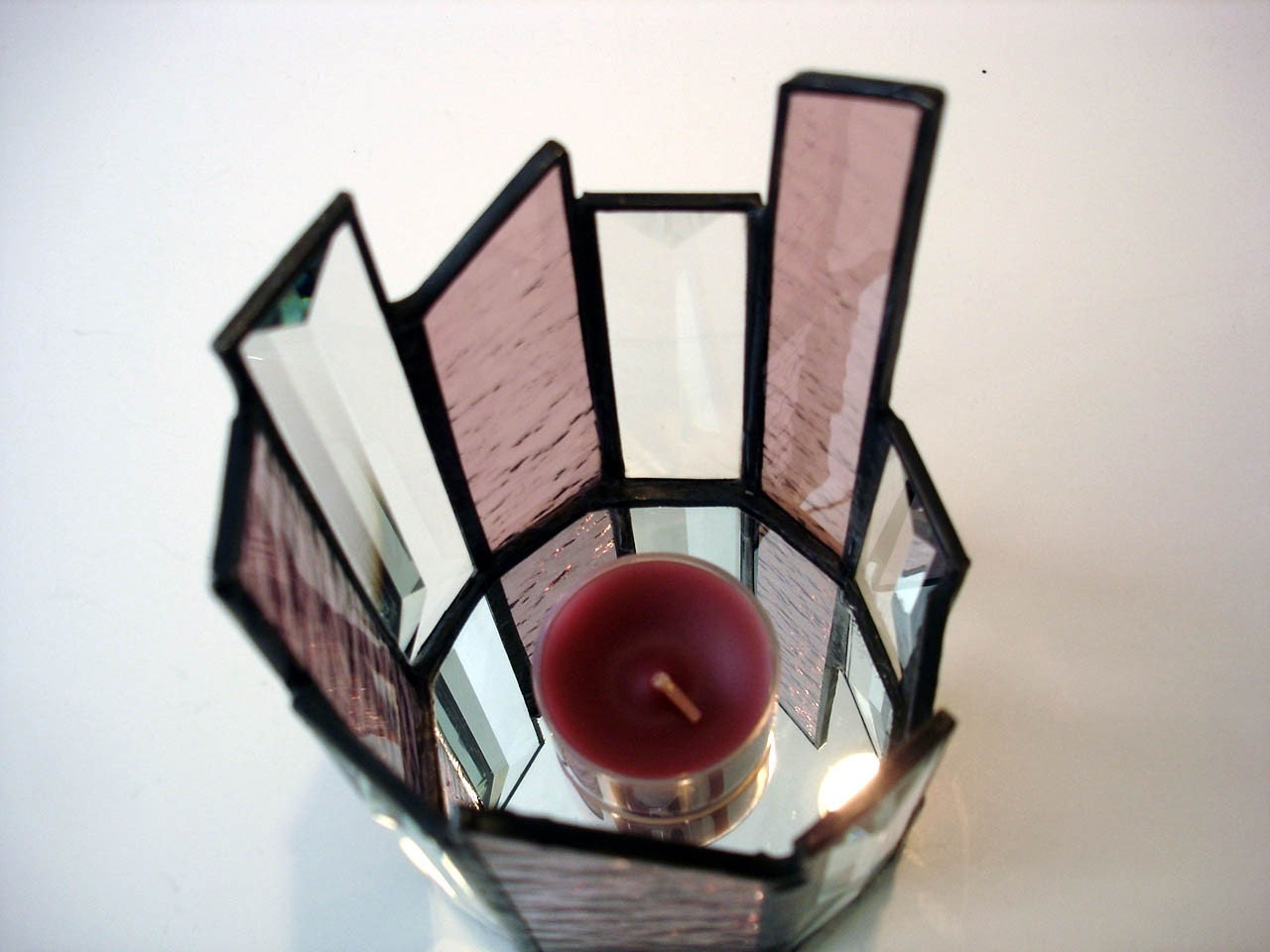 candle holder stained glass tea light holder mauve. Black Bedroom Furniture Sets. Home Design Ideas