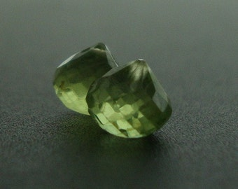 10 pcs - 5-6mm, Nice Color Peridot Micro Faceted Cute Onions Briolettes