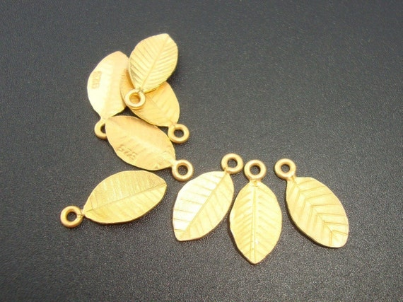 6 pcs, Handmade Findings, Great for Handmade Jewelry, 24K Gold Vermeil on 925 Sterling Silver Tiny Leaf Pendant Charm