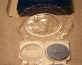vintage avon bicentennial plate with box and 2 soaps