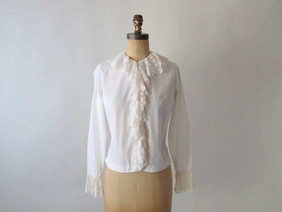 Vintage 1960s Blouse : MOD Ruffles and Lace Blouse