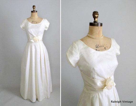 Vintage 1960s Wedding Dress : 60s Long Wedding Dress