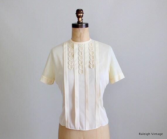 Vintage 1950s Blouse : 50s 60s Nylon Secretary Shirt