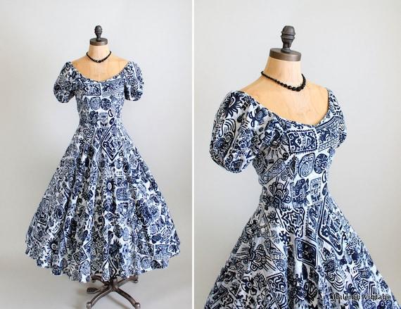 Vintage 1950s Dress : 40s 50s Full Skirt Tiki Dress