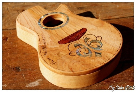 items similar to maple wood acoustic guitar pick box supporting artists on etsy. Black Bedroom Furniture Sets. Home Design Ideas