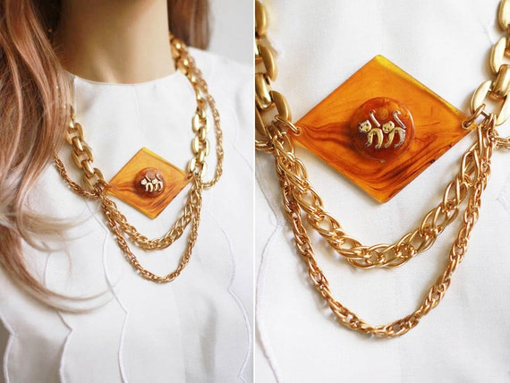 here kitty kitty necklace // 70s lucite repurposed jewelry