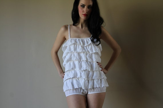 60s Teddy Frilly layered Eyelet Cotton Onesie Romper Lingerie SEX KITTEN Pinup Sexy Housewife Size Small-Medium sm med md (0-2-4-6)