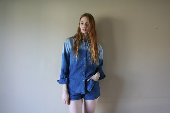 80s Ombre Denim Shirt Faded Light Blue Jean Too Dark Wash Rodeo Cowgirl Western Oversized Hipster Hippie Blouse Size Small-Medium-Large