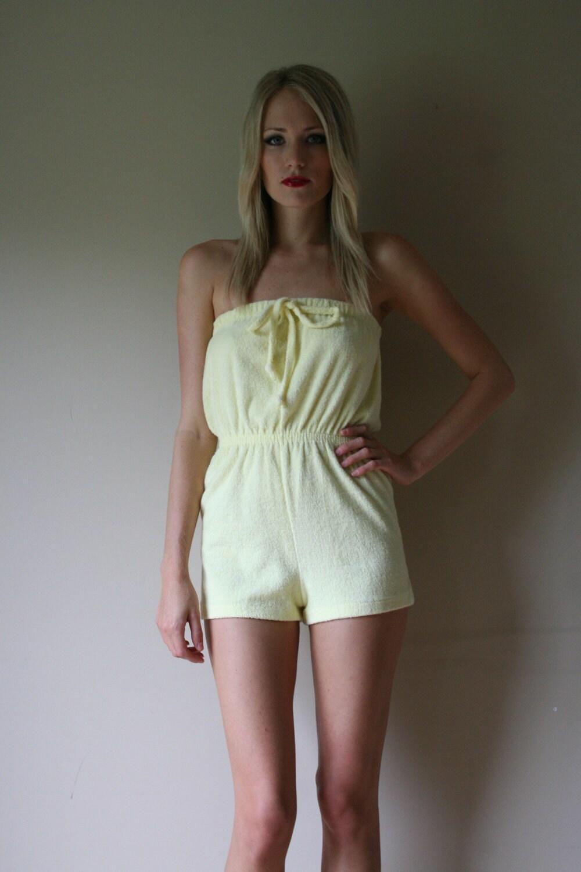 HD wallpapers plus size pale yellow dress