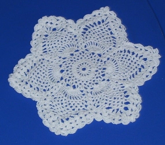 Pointed Star Pineapple Doily