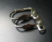 Surgical Steel Ear Clips Non pierced Ear Clasps Shell style by WishMeAway on Etsy
