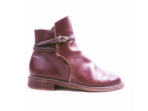 Vintage Whiskey Brown Leather Ankle Boots with Wrap Around Buckle Strap Size 5
