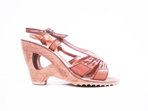Vintage 70s Platform Sandals Brown Leather Cut Out Wood Wedges Size 5 // QualiCraft
