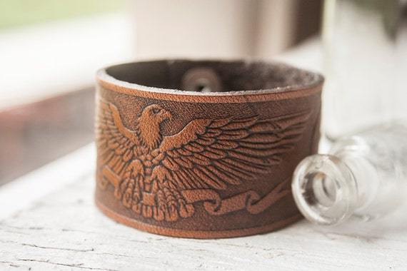 SALE - Ready  To Ship - Leather Snap Cuff Bracelet - Flying Eagle Pattern - Chocolate brown