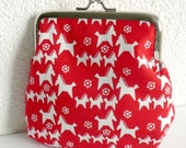 Small Clasp Pouch - Scandinavian Dala Horses on Red