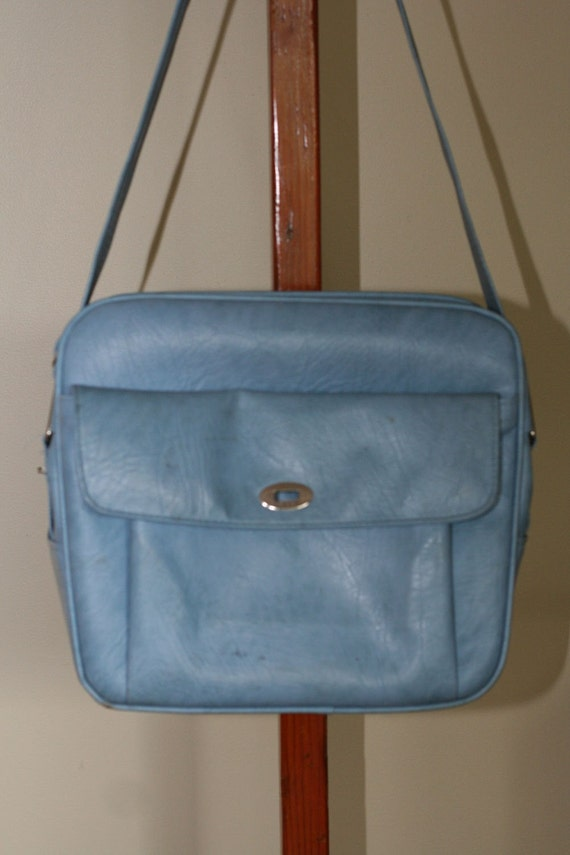 Vintage Samsonite Carry On in Baby Blue