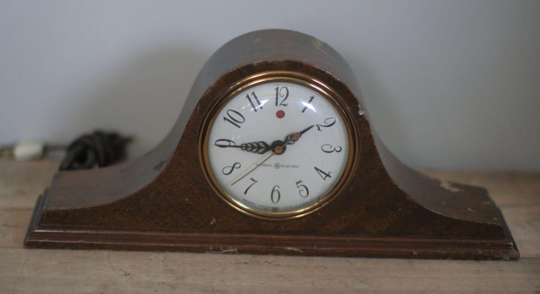 Vintage Electric Clocks 119