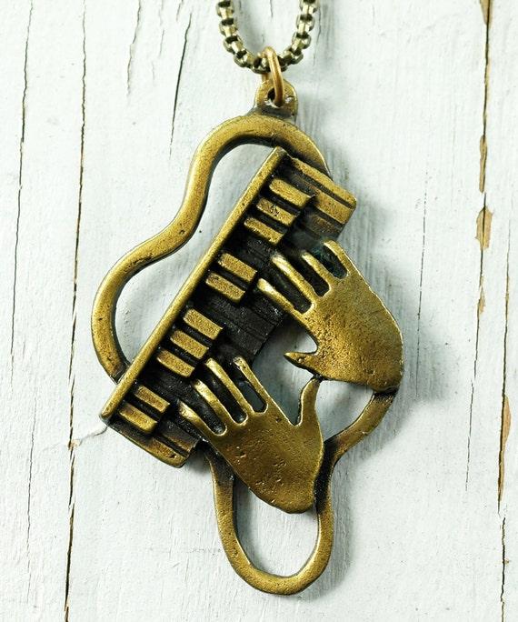 Vintage 70s PIANO Necklace - Jazz HANDS Pendant - Antique Bronze