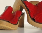 Red wooden clogs mules 4 5 leather new vintage 70s unworn