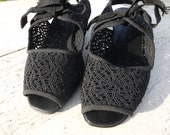 MACRAME LACY SANDALS - size 6.5 - 80s - Made in italy - New and Never Worn