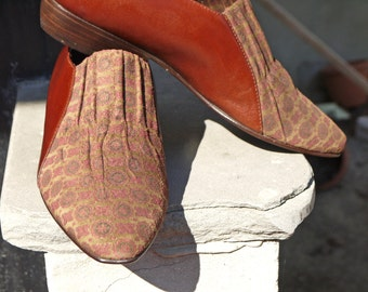 Vintage brown leather shoes 6.5 slip on suede closed 80s patterns baroque rare