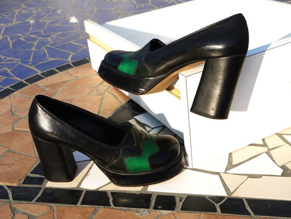 vintage pumps 6 7 heels plateau black green leather 70s decollete never worn