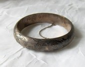VINTAGE SIAM Silver Hinged Cuff-Style Bangle Bracelet
