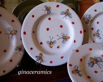 Majolica 4 Charming Hand Painted Ceramic Bumble Bee Plates