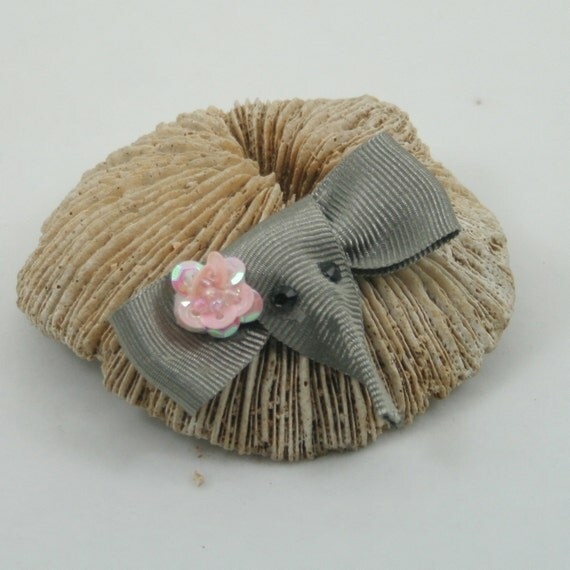 2 Elephant hair clips