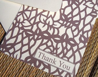Set of 8 Flat note cards with an all over Iris pattern