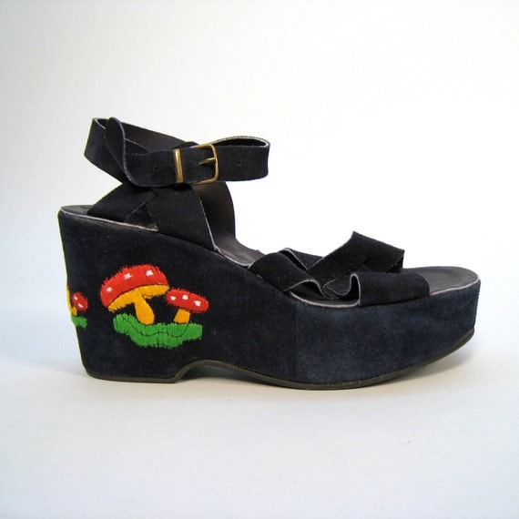 Vintage 1970s deadstock blue suede platform sandals with mushroom detail