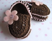Brown Sassy Shoes Baby Slippers- Pink flower- Newborn size
