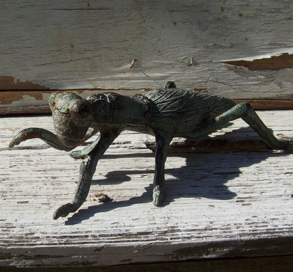 Cast iron grasshopper, garden decor, doorstop, paperweight, beautiful aged patina, verdigris, cricket, bug, insect