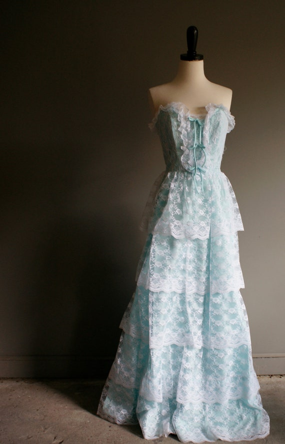 vintage 70s Southern Belle teal blue RUFFLE scalloped LACE tiered prom dress (xs-s)