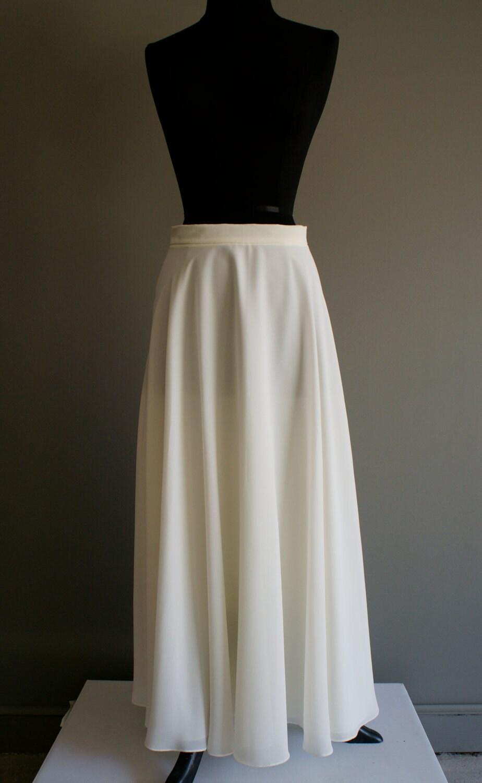 white flowy maxi skirt m