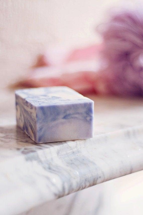 Lavender Swirl Soap Bar - 100% Natural Cold Press Soap