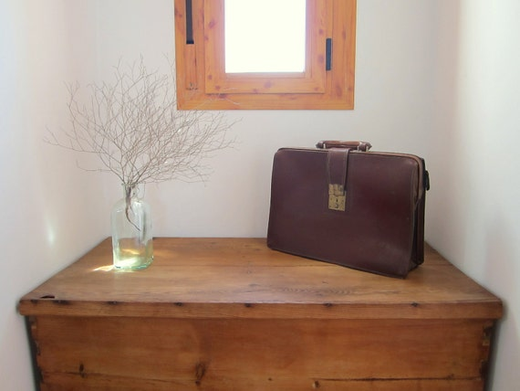 vintage briefcase brown leather portfolio shabby chic retro mad men 1950s 1960s