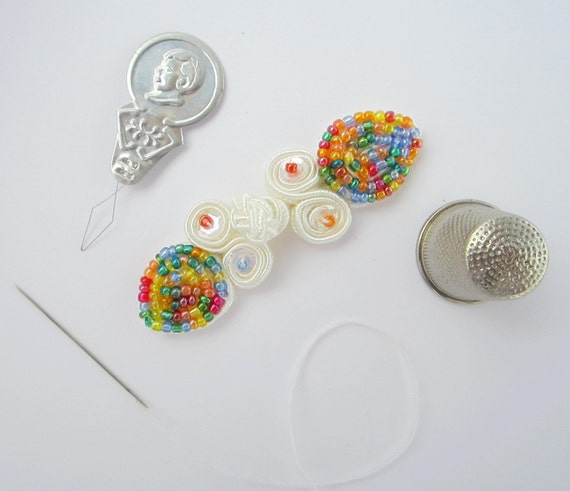 FROG BUTTON white, cutest little closure with multi-colored beads and sequins FREE shipping worldwide