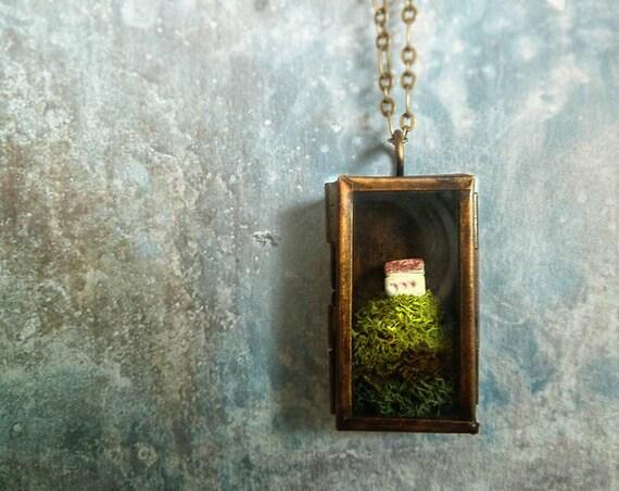 Miniature House Moss Terrarium Necklace. Over the Hills and Far Away.Terrarium Moss Jewelry