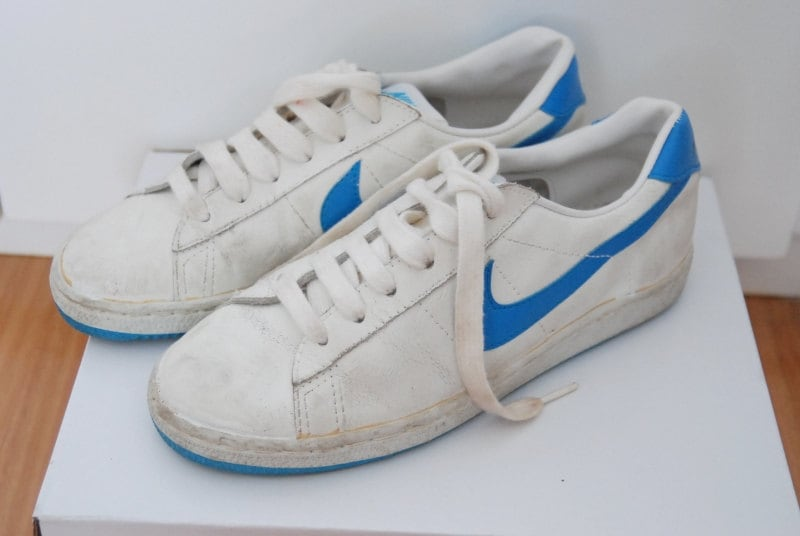 NIKE sneakers / vintage tennis shoes / 80s sport white nikes /