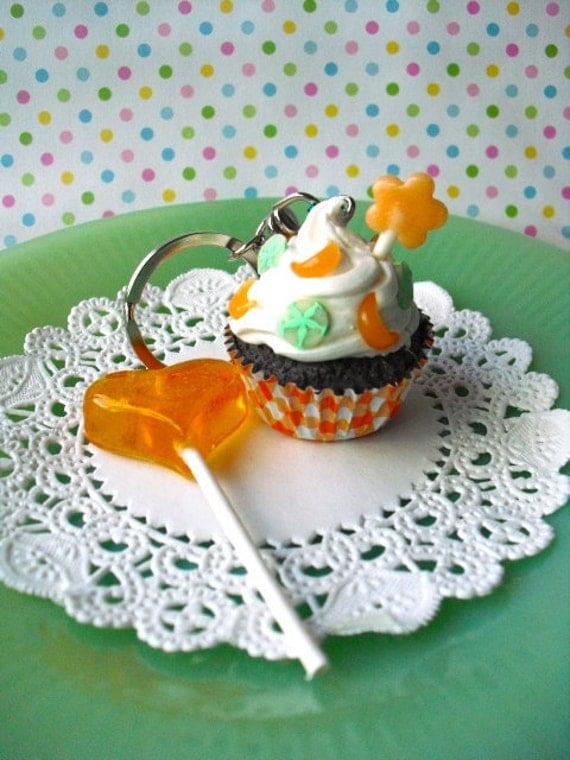 Miniature Cupcake Keychain FREE SHIPPING