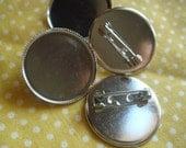 10x White K Silver Bezel Pin Back Round Brooch Holder