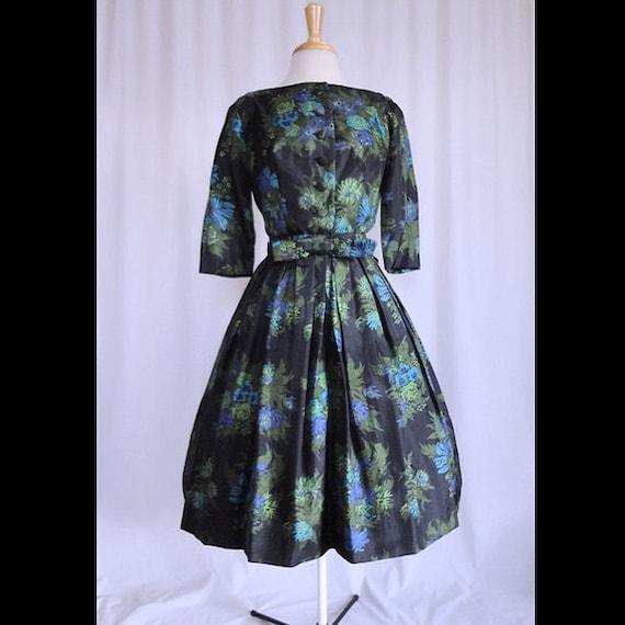 Vintage 50s Dress Bold Florals Scoupe Back SILK Belted Party Springtime 1950s Day Dress M