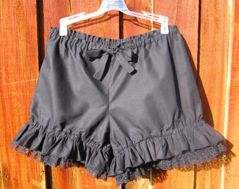 Black bloomers with black or white lace