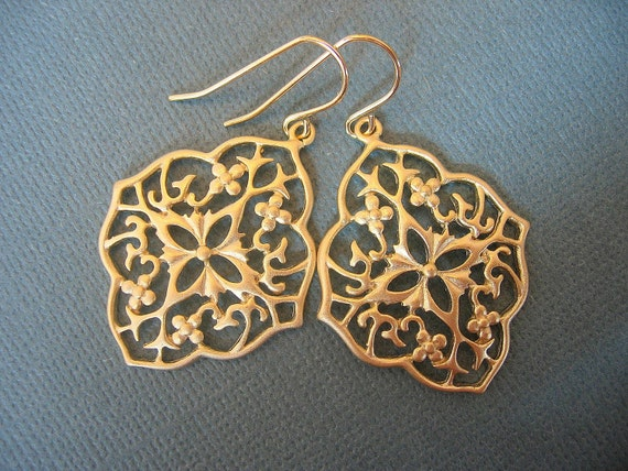Matte Gold Filigree Shield EarringsBridesmaids Jewelry, Bridal Jewelry