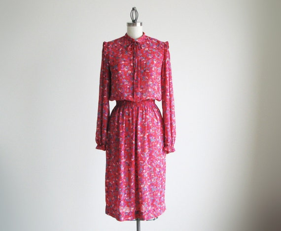 Vintage red CALIFORNIA GIRL floral dress with ribbon.