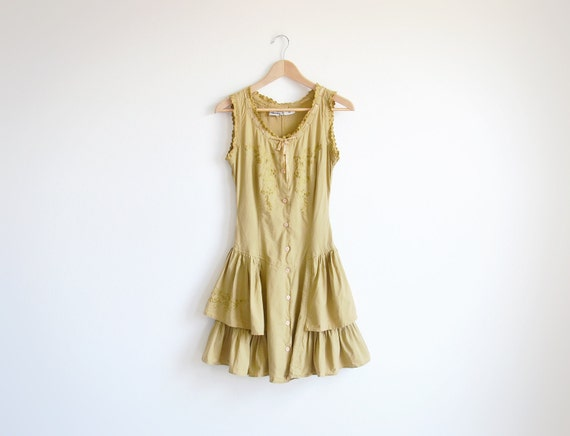 Vintage Starina mustard dress with embroidery.